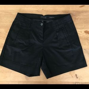 Woman The Limited black shorts size 8